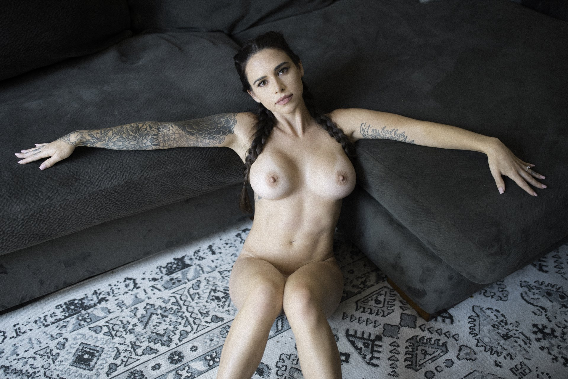 ultra hi res shaved pussy