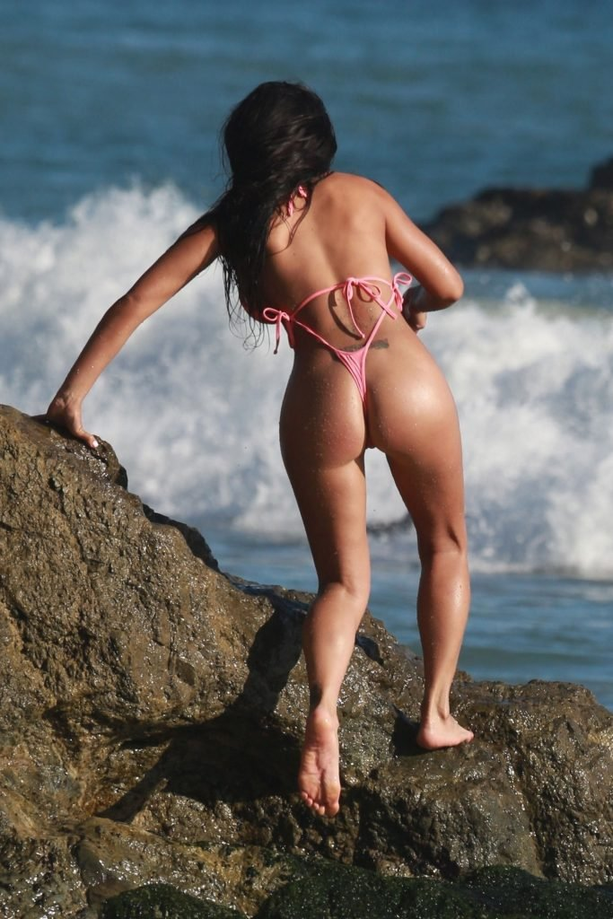 Sexy Val Fit Shows Off Her Booty In Thong Bikini (59 Photos)