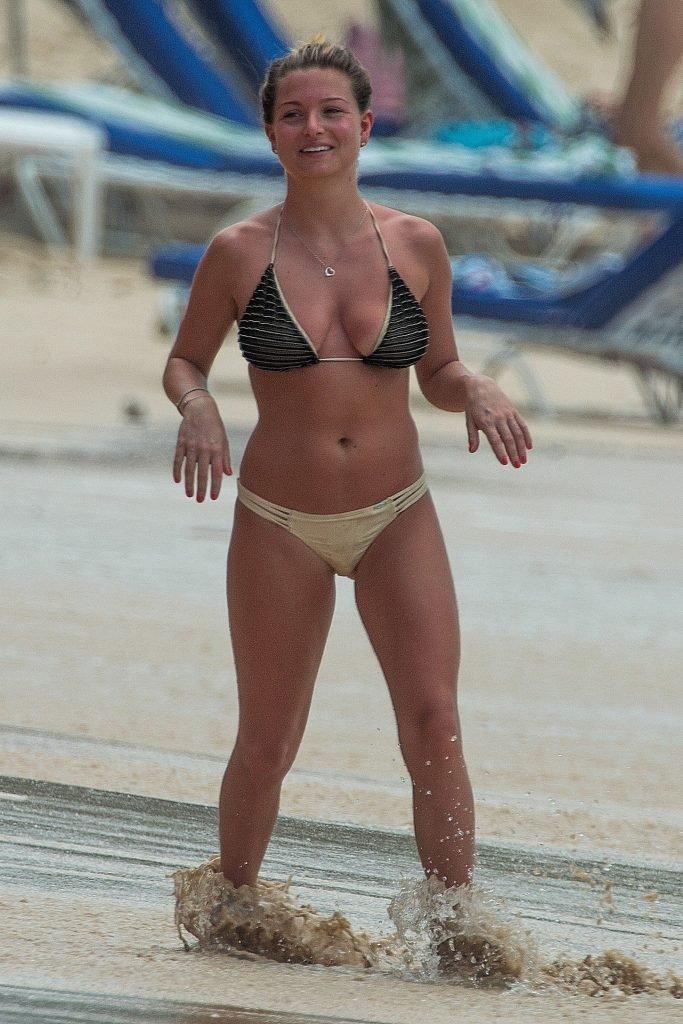 Zara Holland Shows Off Her Sexy Body On The Beach (28 Photos)