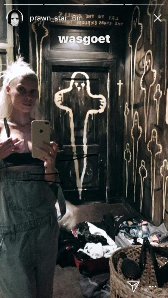 Yolandi Visser Shows Off Her Tits (1 Photo)