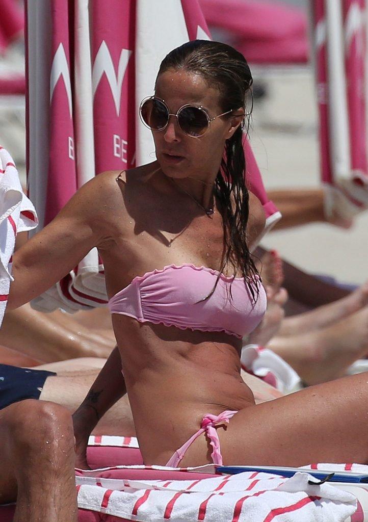 Adriana Fossa Sexy (36 Photos)