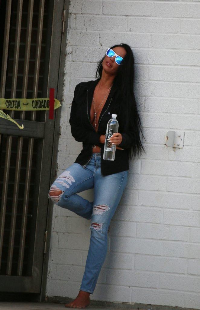 Charlie Riina Sexy & Topless (25 Photos)