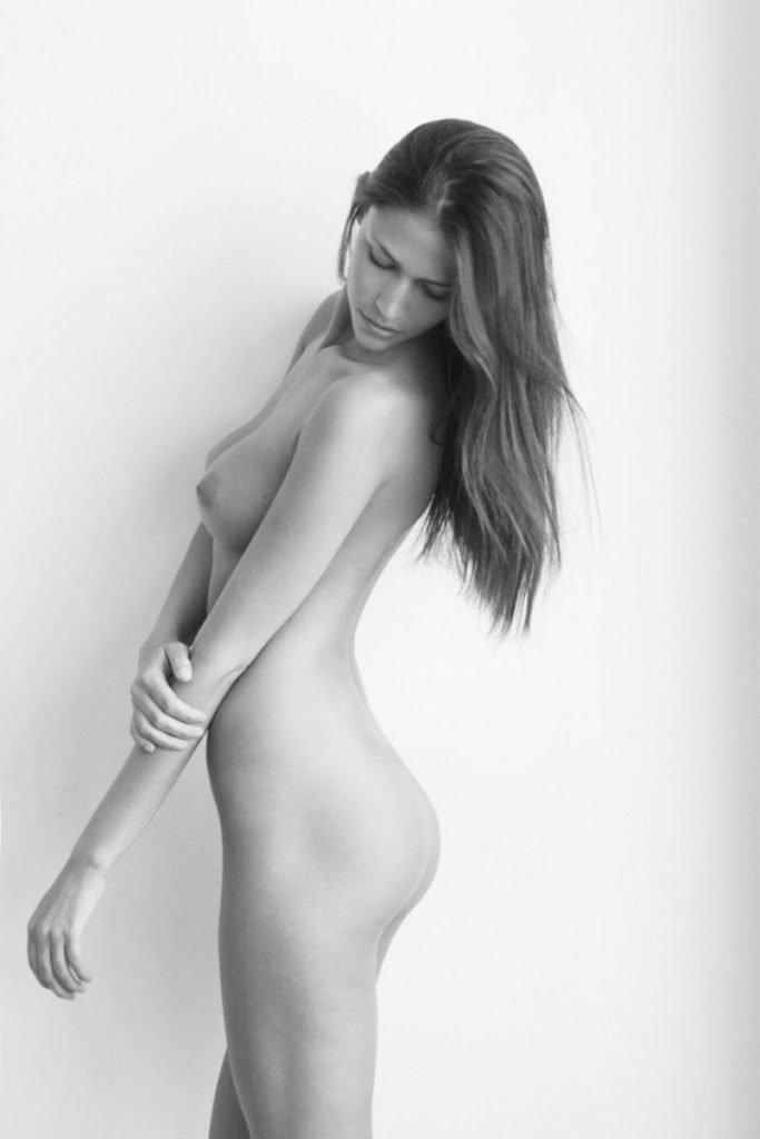 Christina Makowski Nude Fappening (3 Photos)