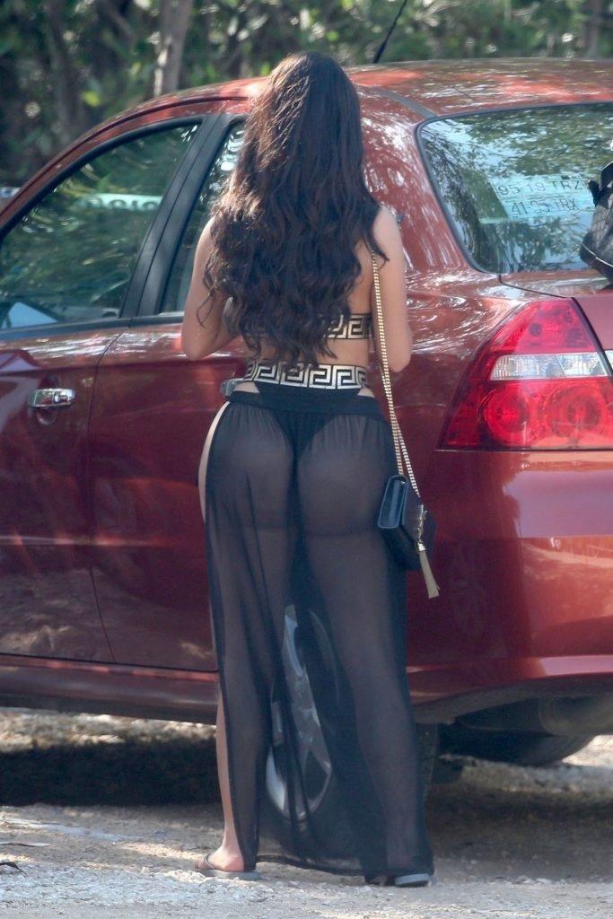 Demi Rose Sexy (22 Photos + Gifs)