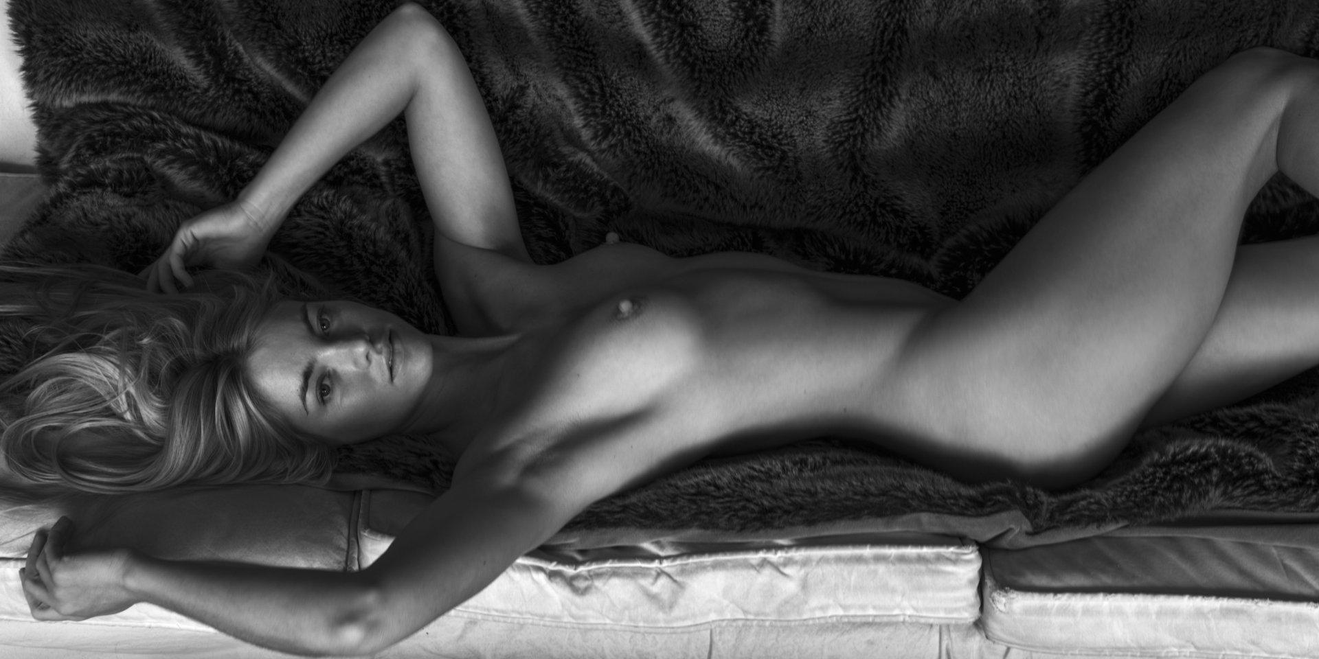 elyse knowles nude