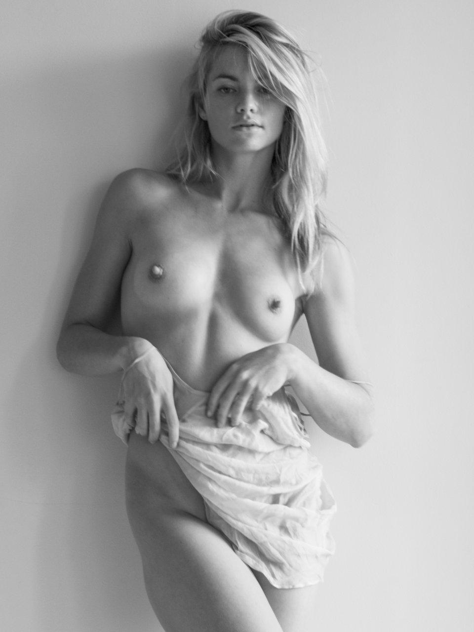 elyse taylor nude