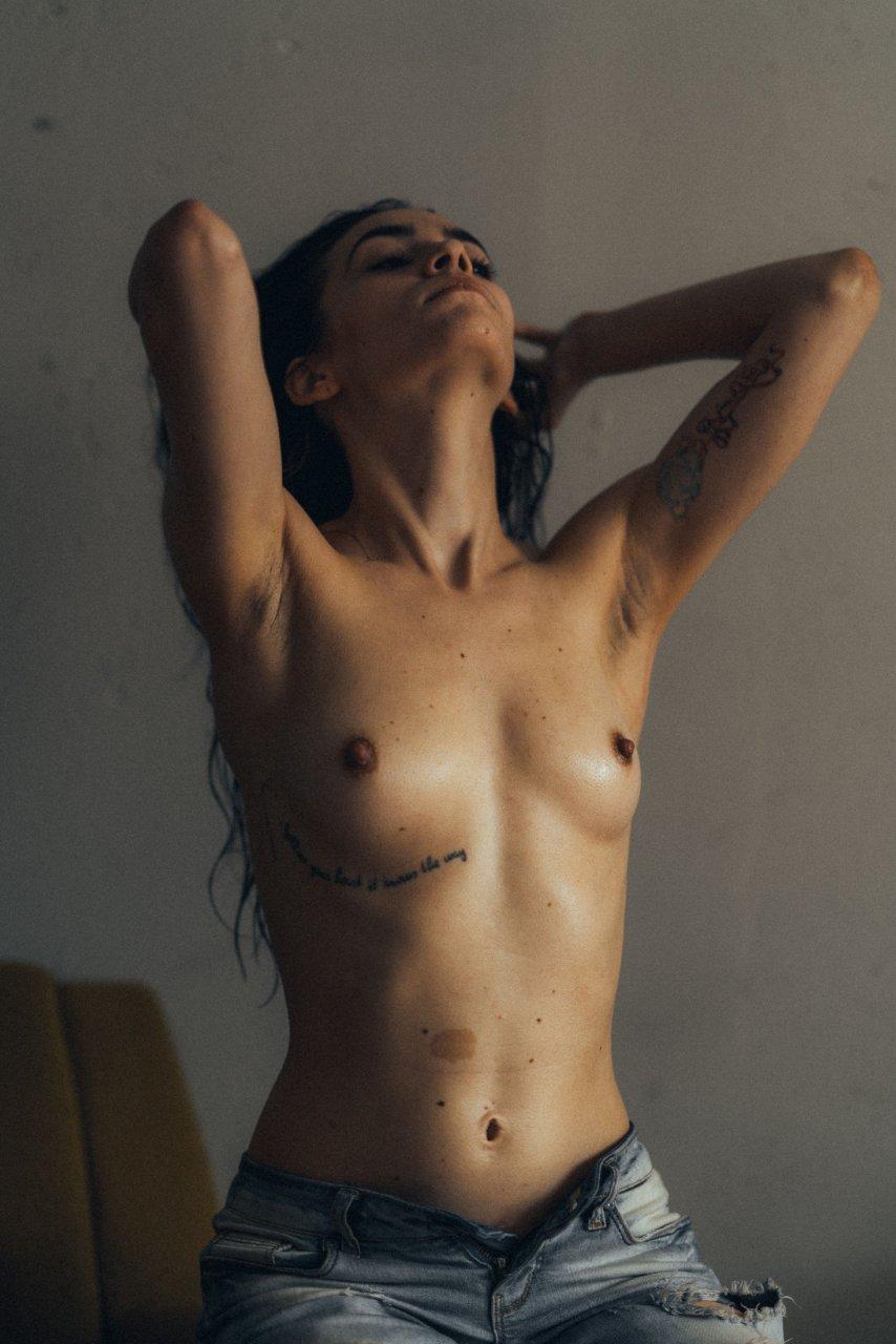 Finest Frankie Thorn Naked Pics