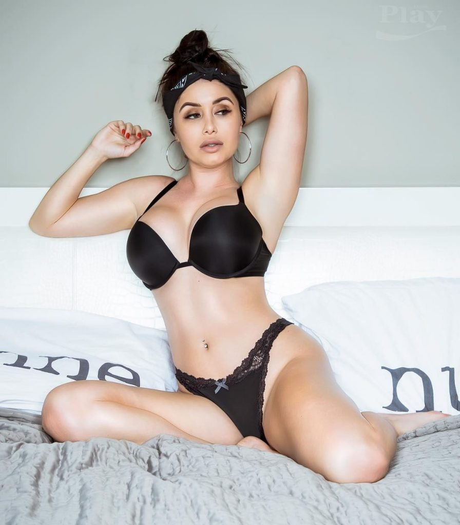Laura Marie Sexy Fappening (84 Photos)