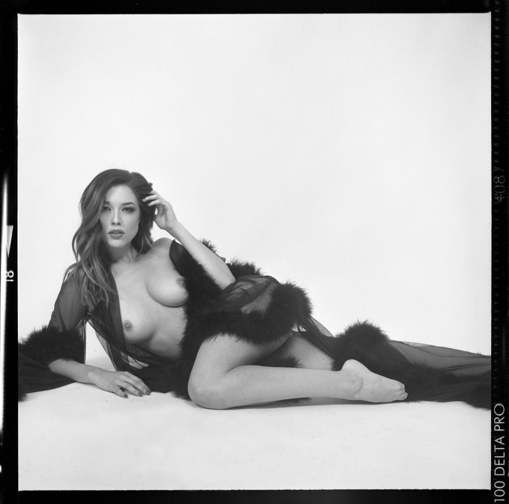 Lauren Summer Nude & Sexy (45 Photos)