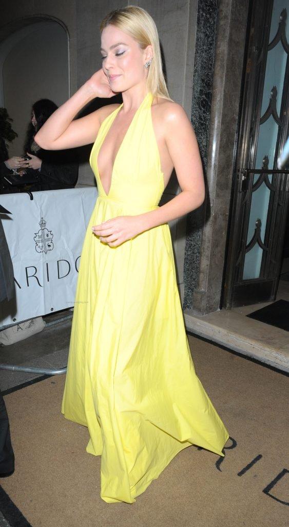 Margot Robbie Nip Slip (70 Photos)