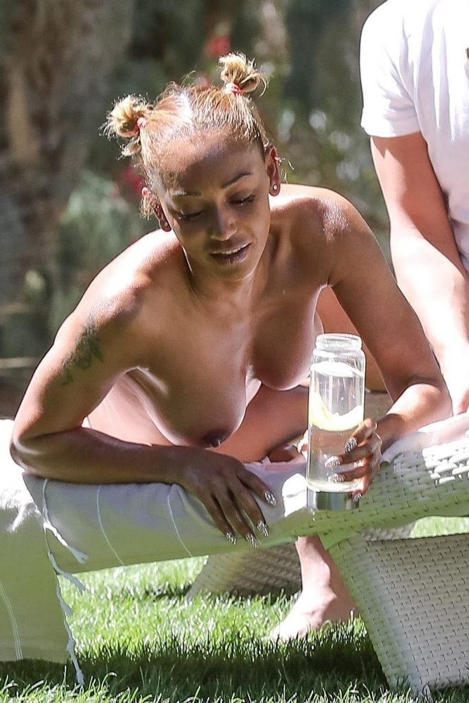 Melanie Brown Sexy & Topless (47 Photos)