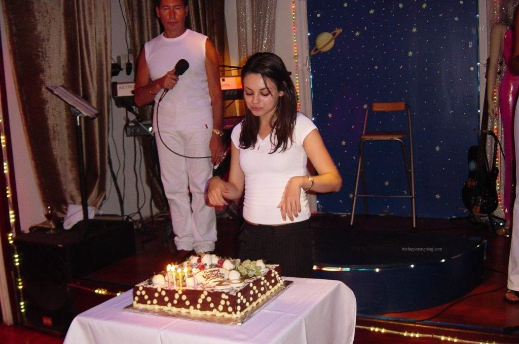 Mila Kunis Sexy Leaked Fappening (25 Photos)