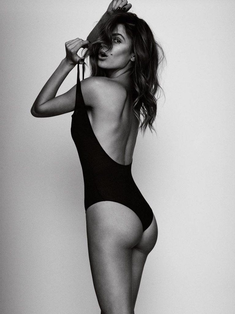 Missé Beqiri Nude & Sexy (9 Photos)