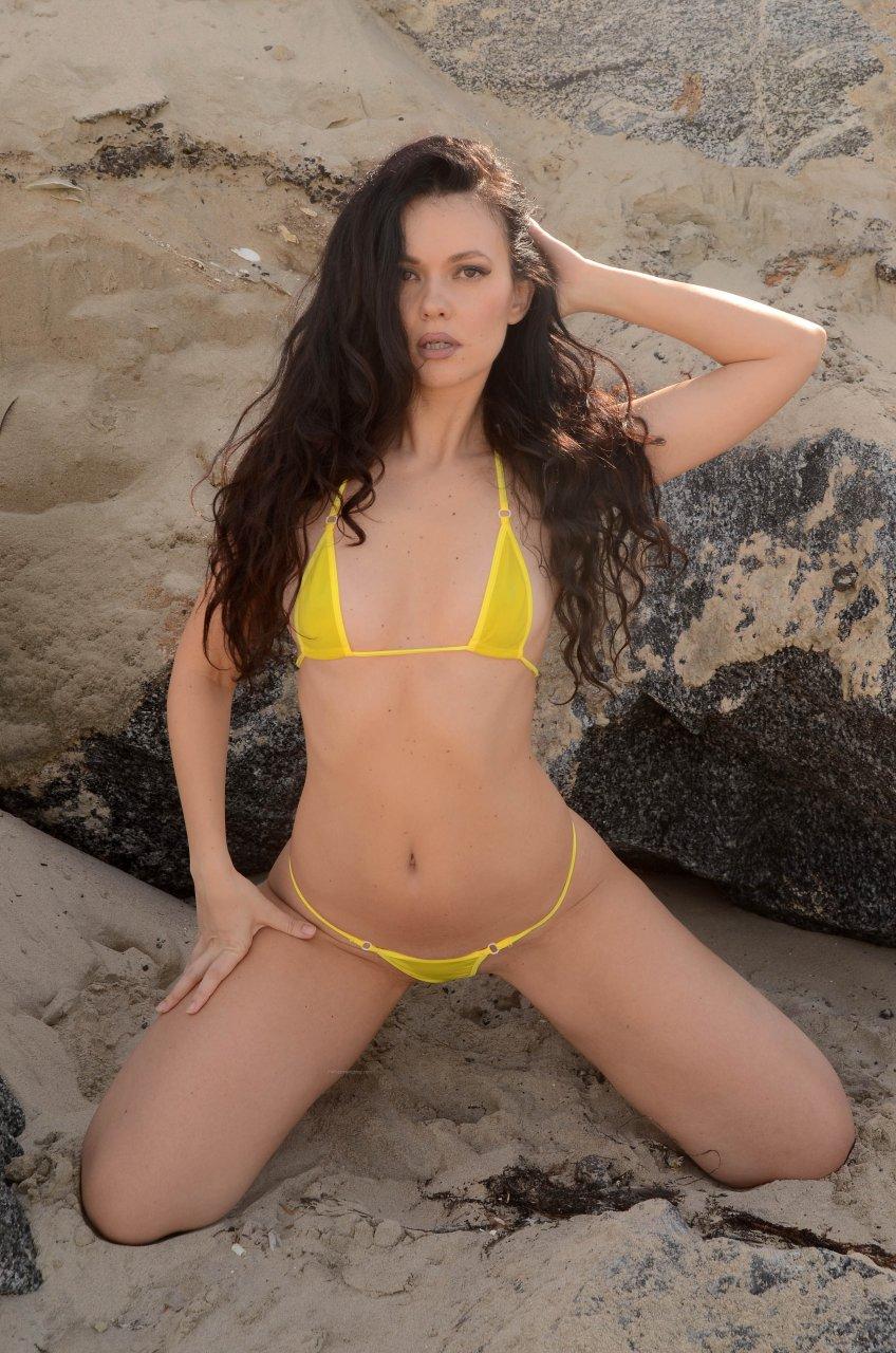 yi bikini Natasha