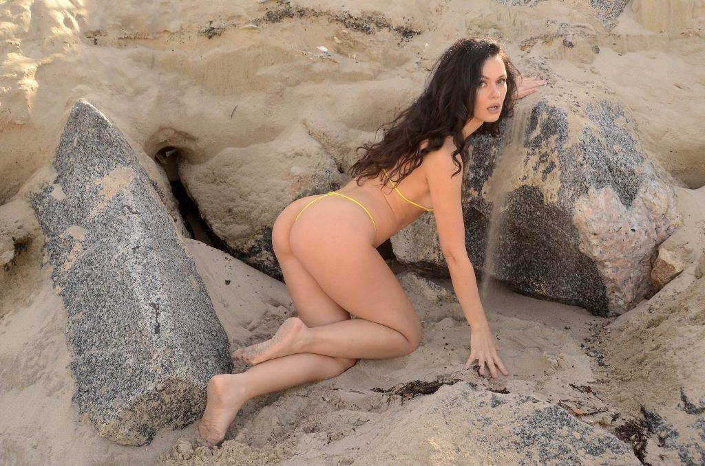 Natasha Blasick Sexy (55 Photos)