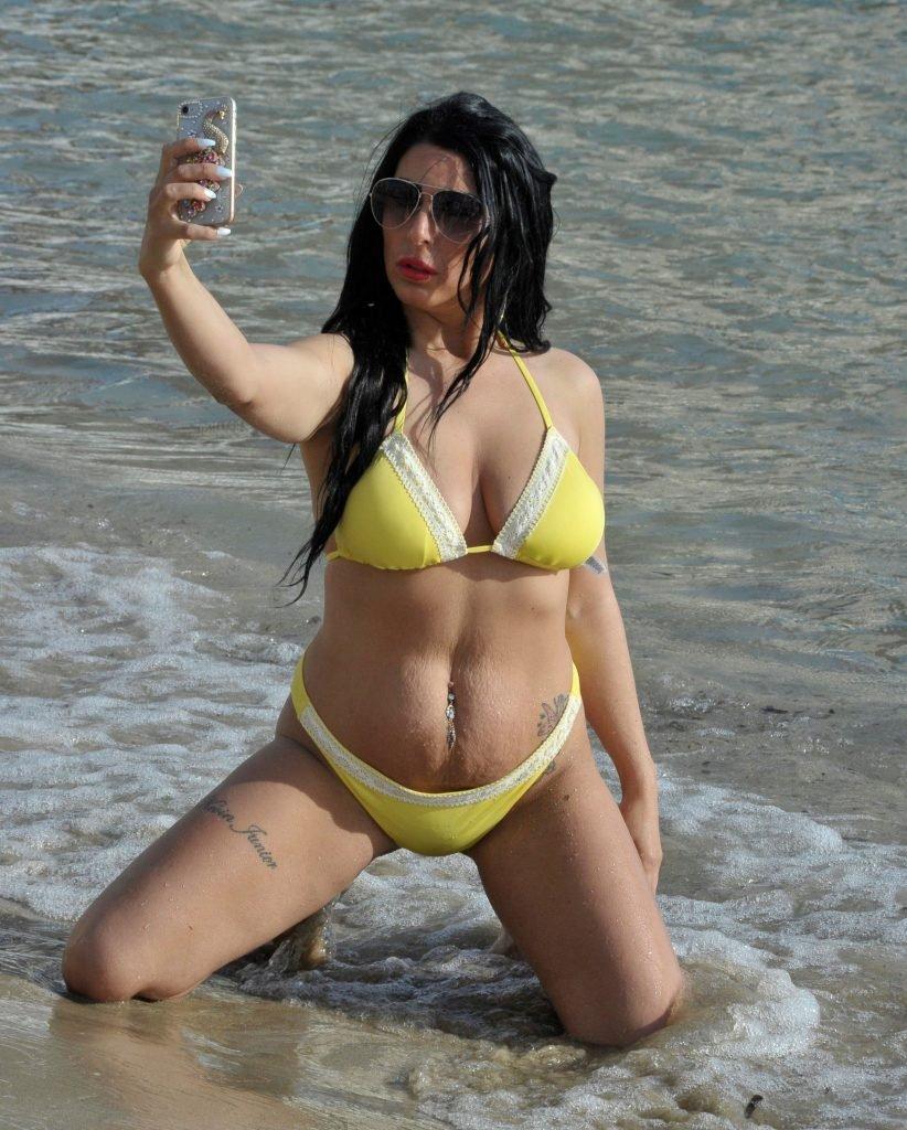 Simone Reed Sexy & Topless (24 Photos)