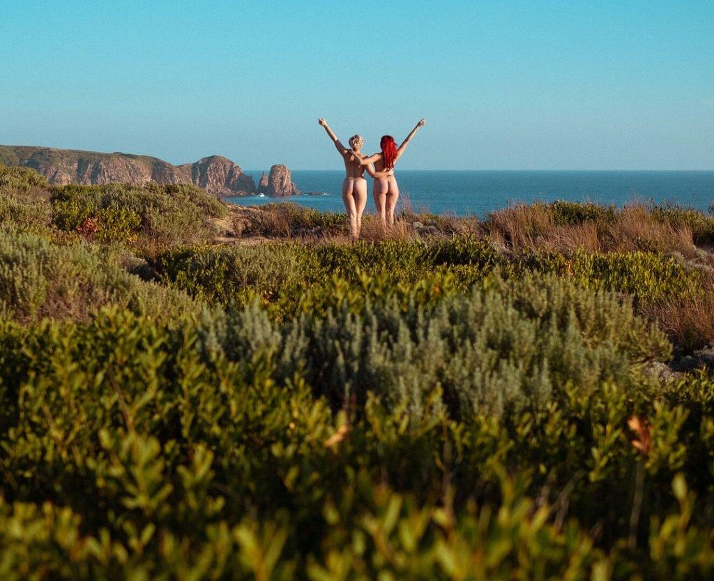 Stefania Ferrario & Kitten LeBow Naked (2 Photos)