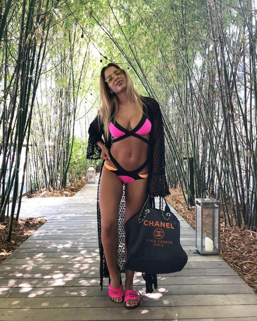 Anitta Sexy (19 Pics + Video)