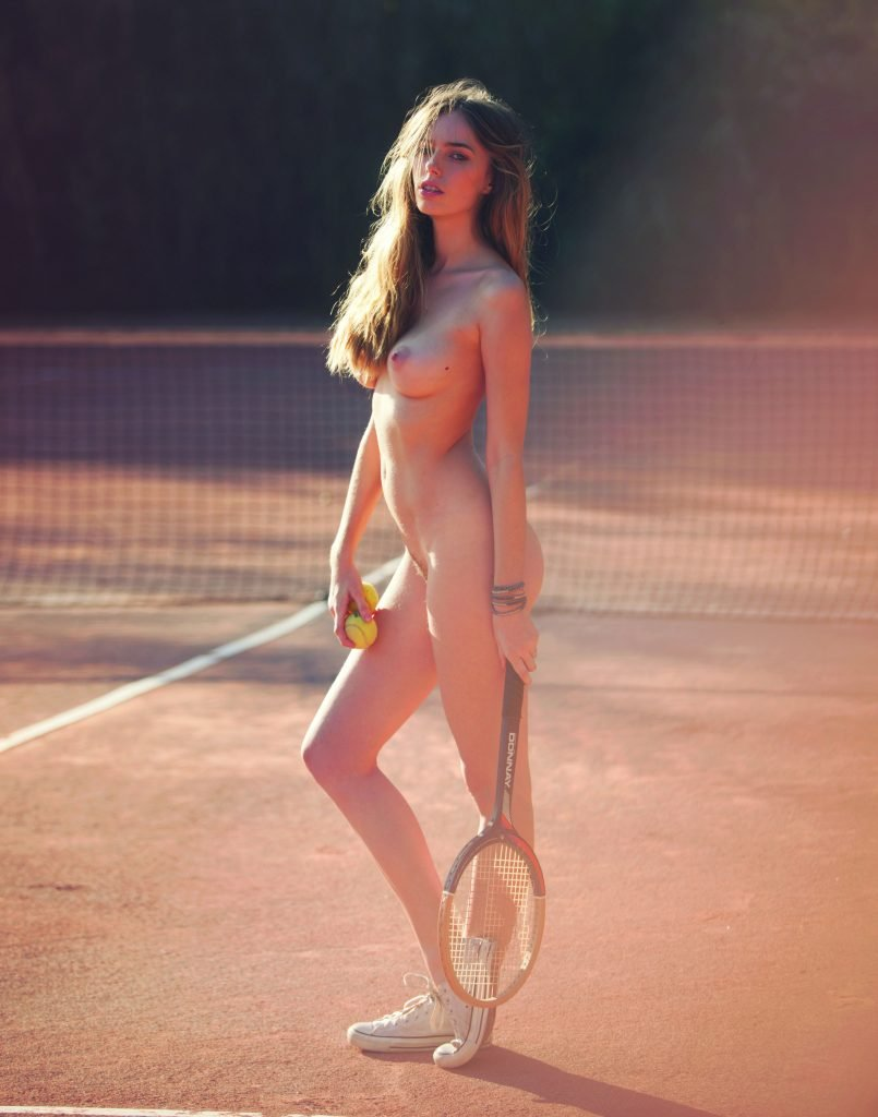 Anthea Page Nude (13 Photos)