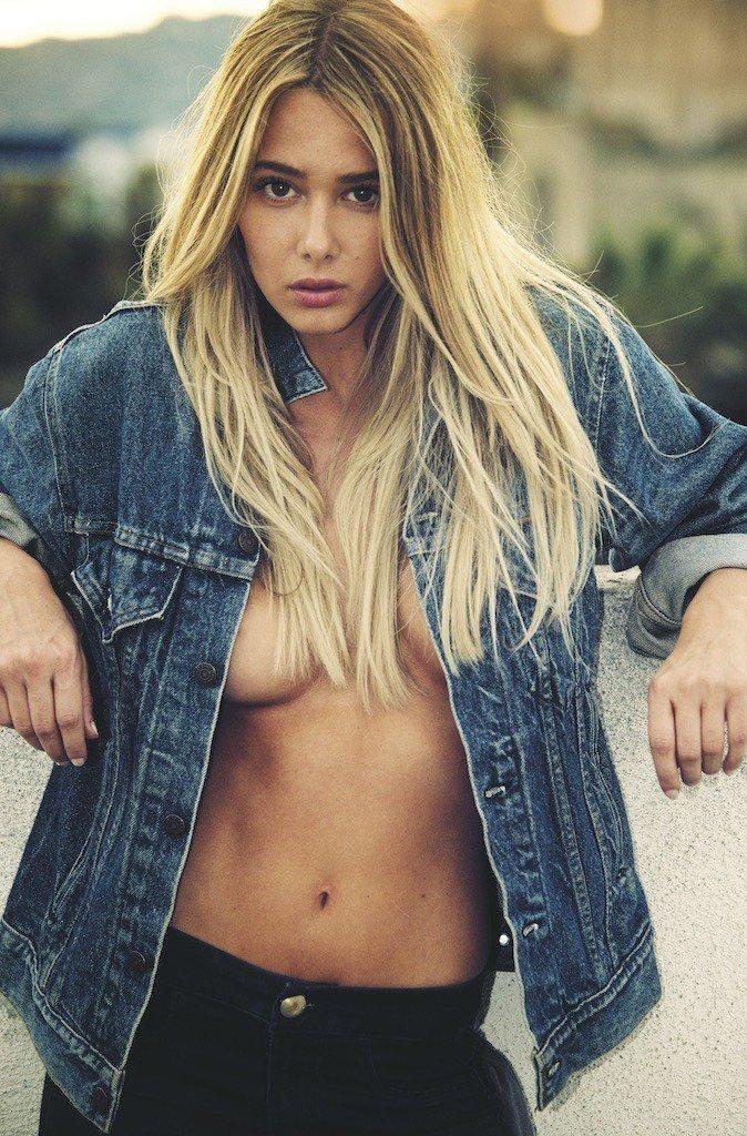 Celeste Bright Sexy & Topless (7 Photos)