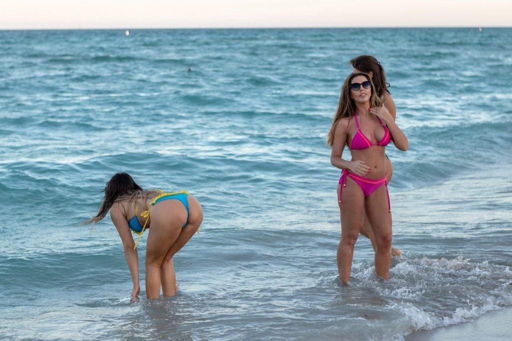 Claudia Romani, Julia Pereira & Laura Bragato Sexy (41 Photos)