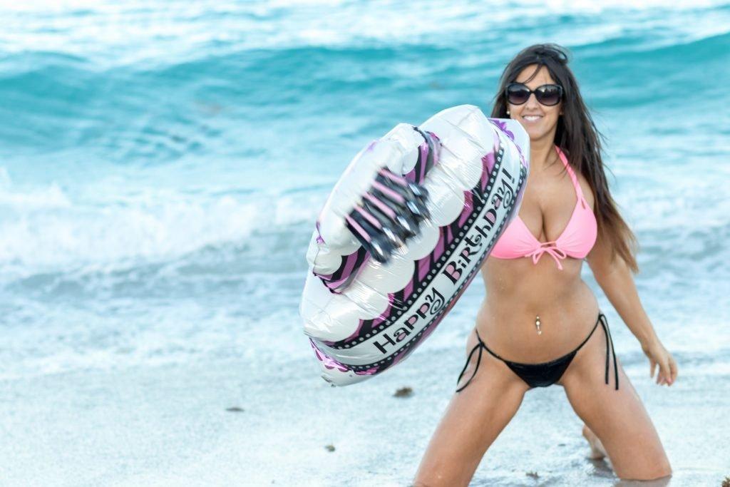 Claudia Romani Sexy (23 Hot Photos)