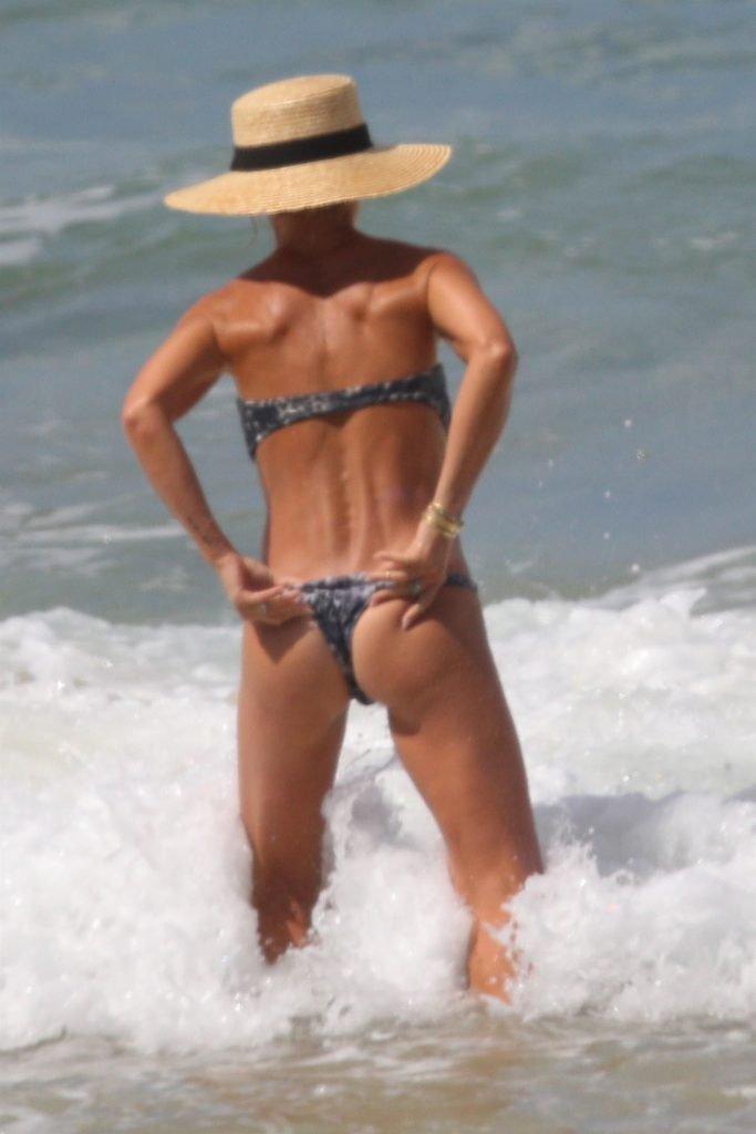 Elsa Pataky Sexy (31 Photos)