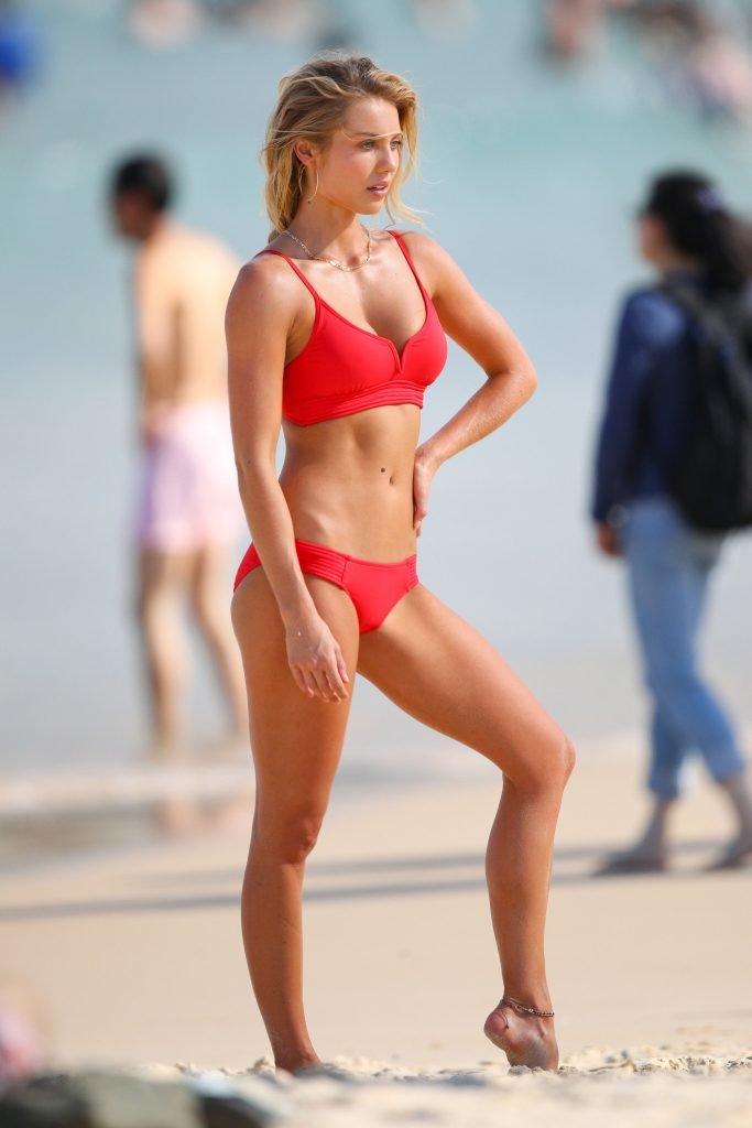 Elyse Knowles Sexy (70 Photos)