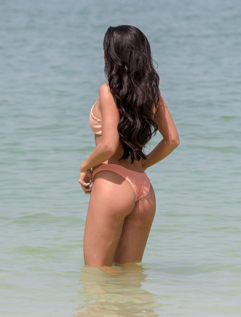Kady McDermott Sexy (47 Photos)