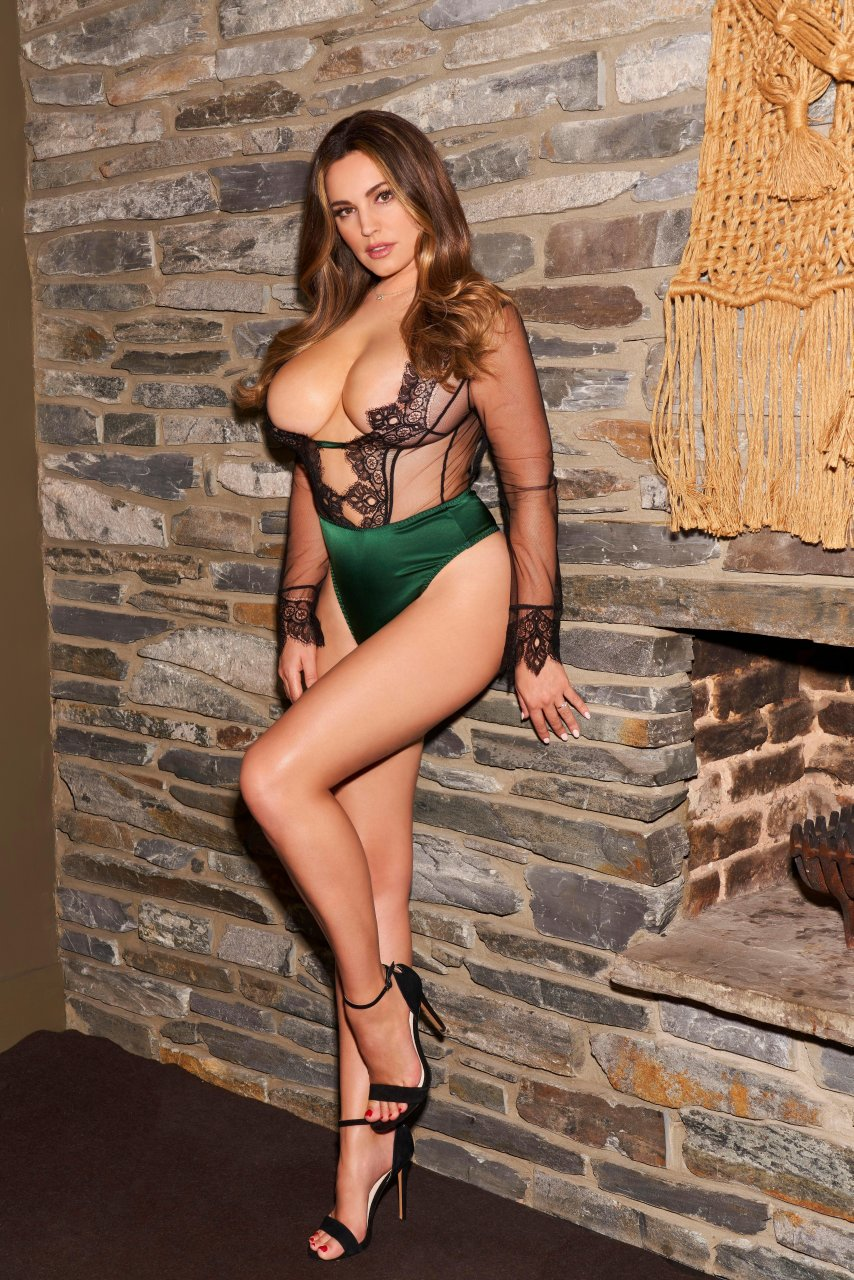Kelly brook gallery were
