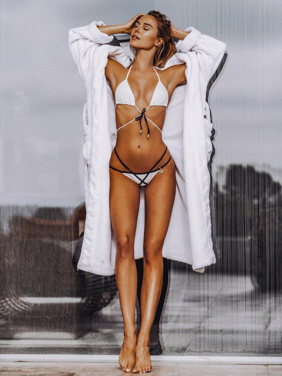 Kimberley Garner Sexy Nude Photos 47