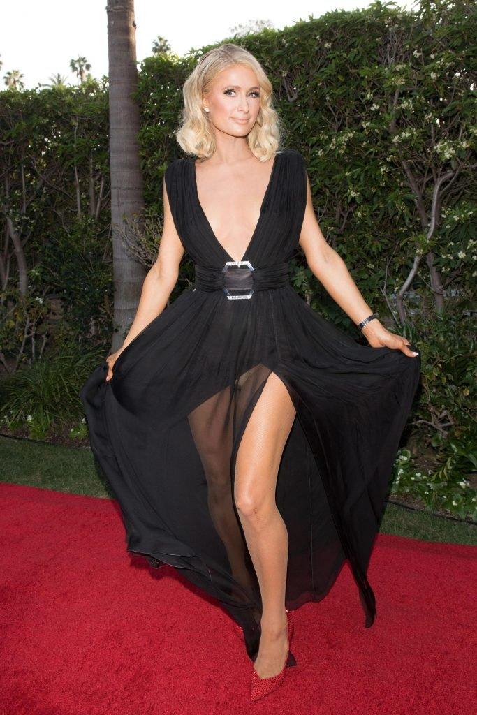 Paris Hilton Sexy (16 Photos + Videos)