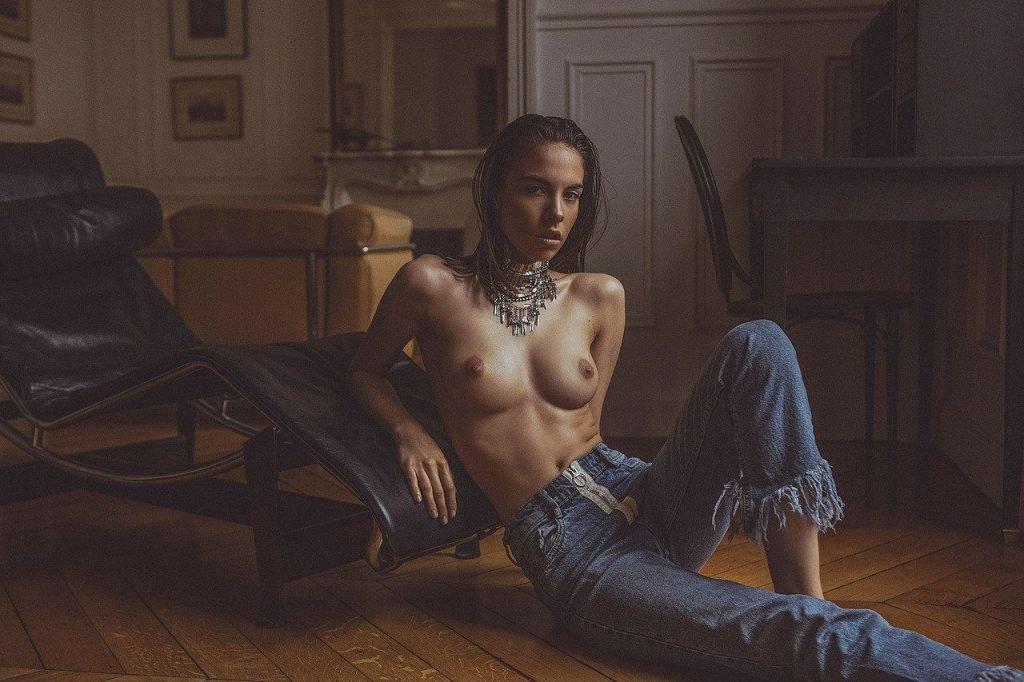 Rebecca Bagnol Sexy & Topless (11 Photos)