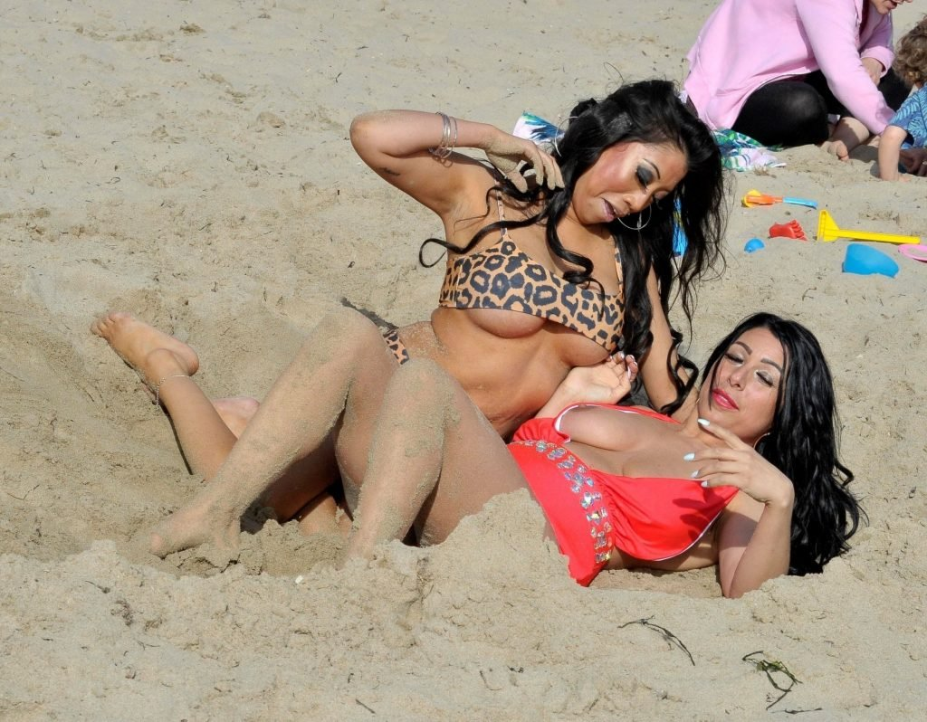 Simone Reed and Chrissie Wunna Sexy & Topless (26 Photos)