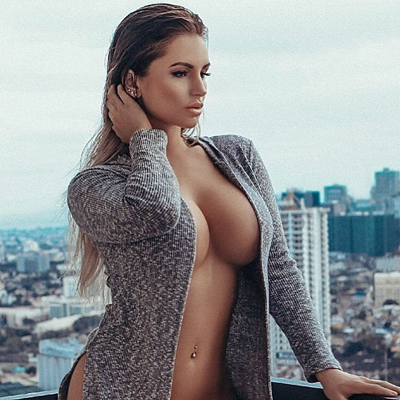 Amy Lee Summers Nude & Sexy Fappening (94 Photos)
