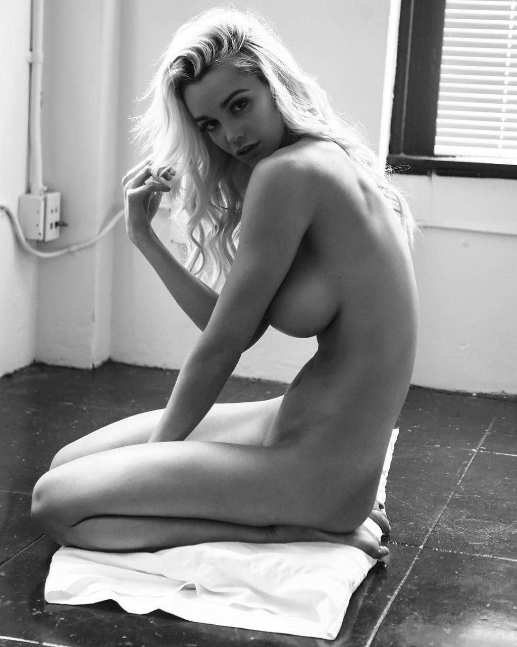 nude suicide girls vagina