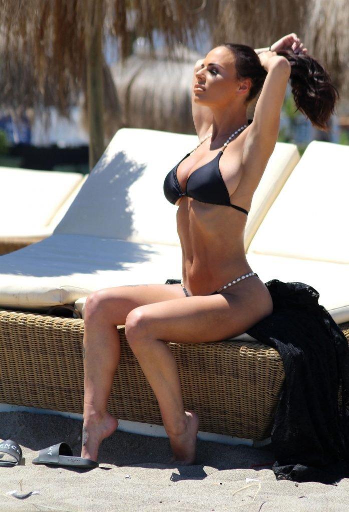 Chantelle Connelly Sexy (25 Photos)