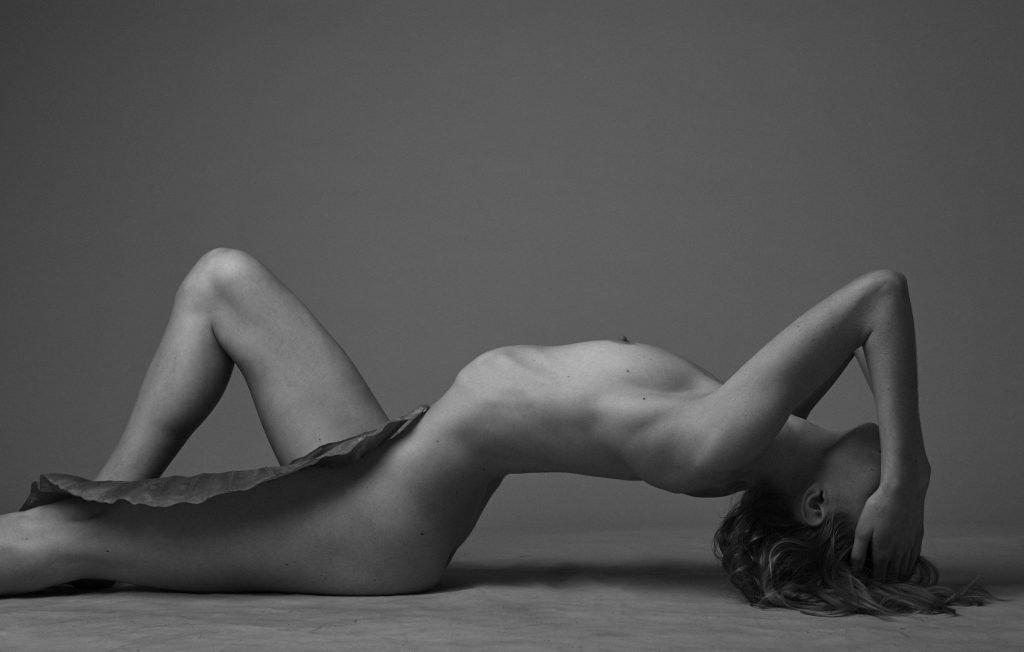 Clara Settje Nude (12 Photos)