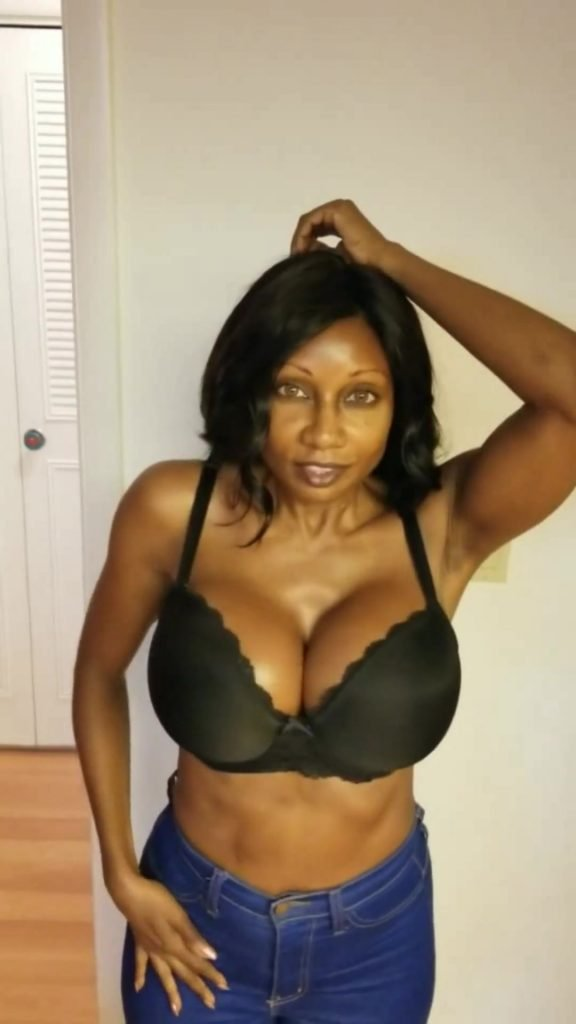 Diamond Jackson Naked (5 Pics + Video)