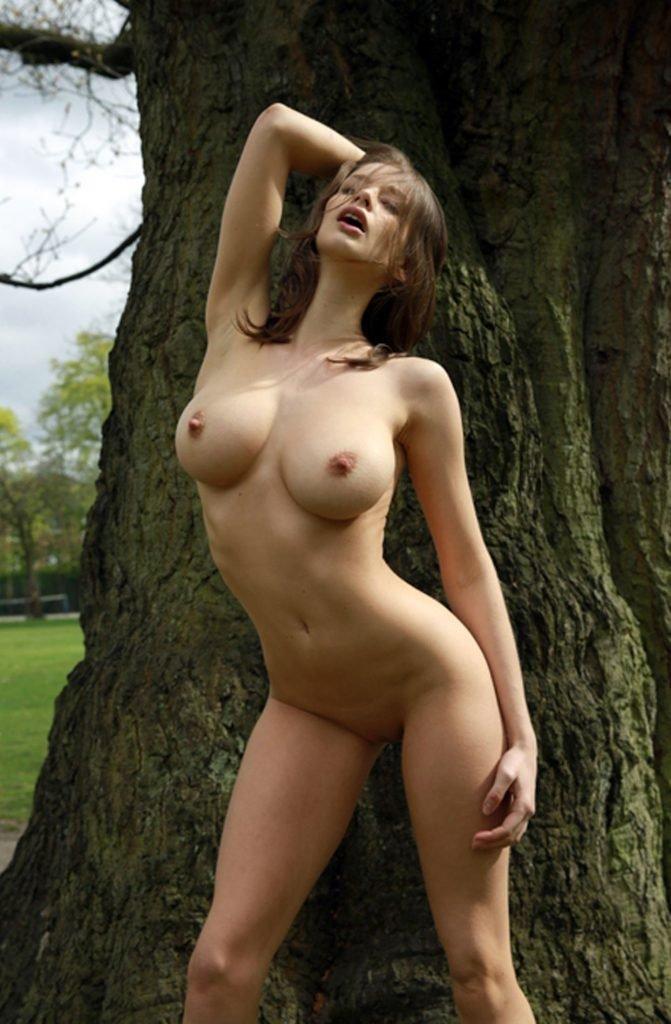 Emily Agnes Naked