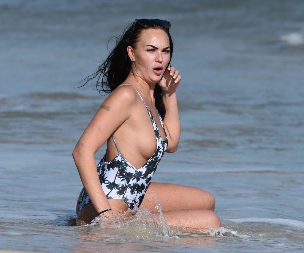 Hayley Fanshaw Nip Slip (29 Photos)