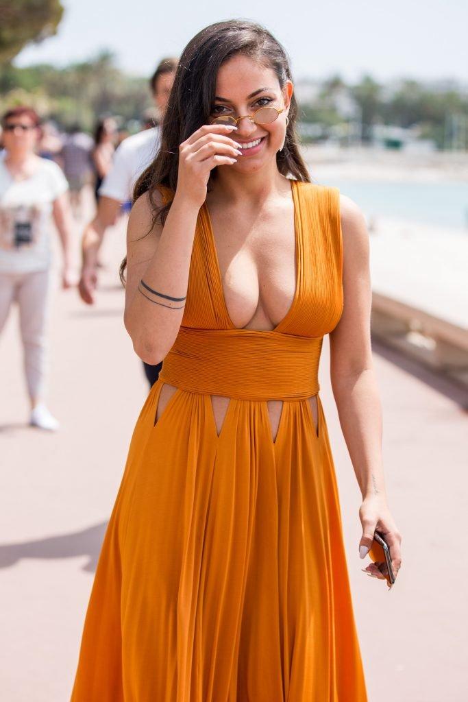 Inanna Sarkis Sexy (20 Photos)