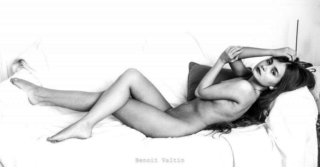 Jana Evstafeva Nude & Sexy (5 Photos)