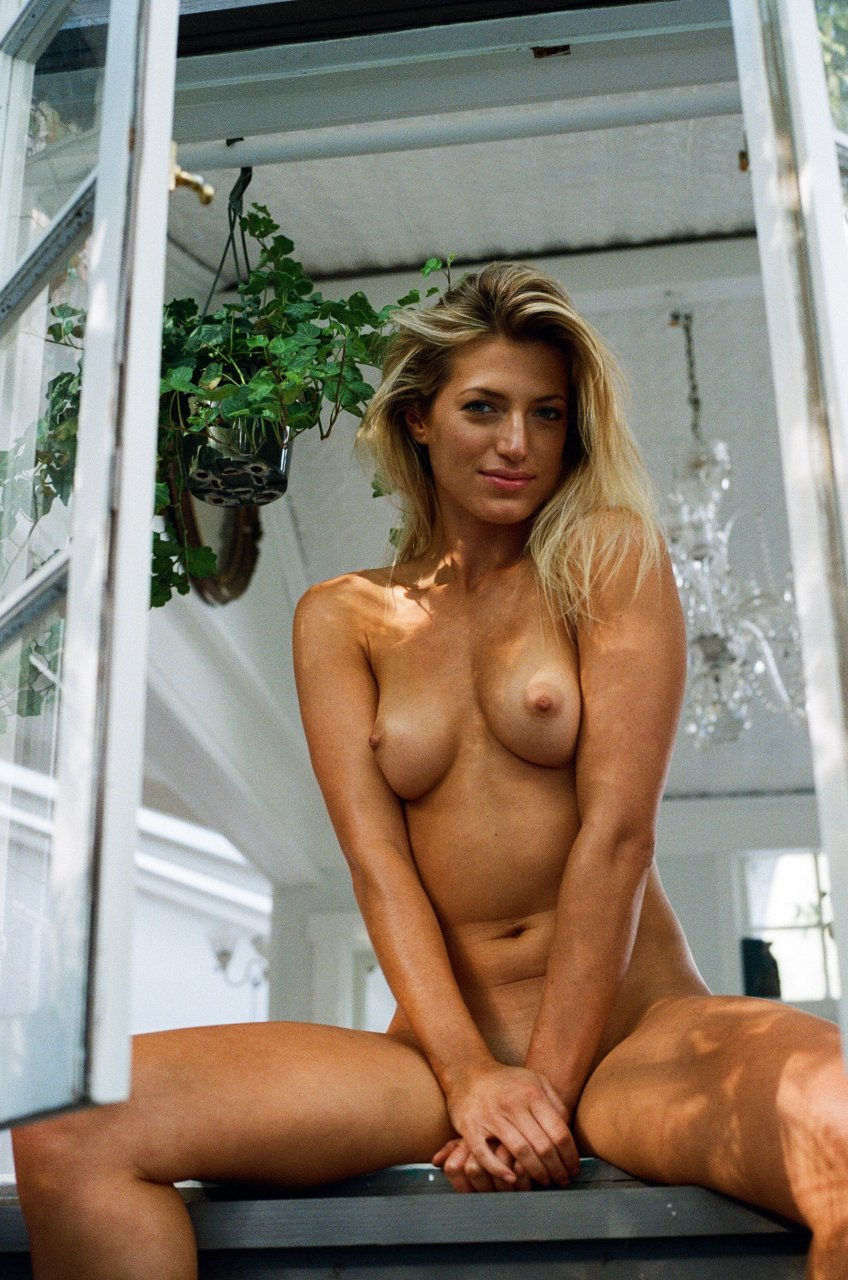Jessica LaRusso Nude & Sexy (19 Photos) | #TheFappening