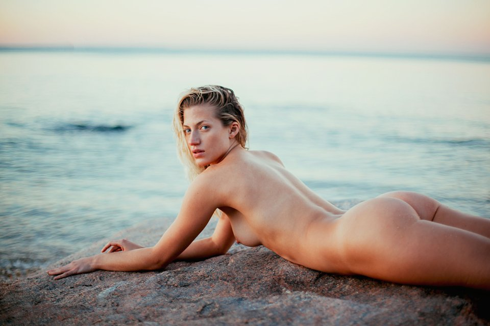 Jessica Larusso Nude & Sexy (11 Photos)