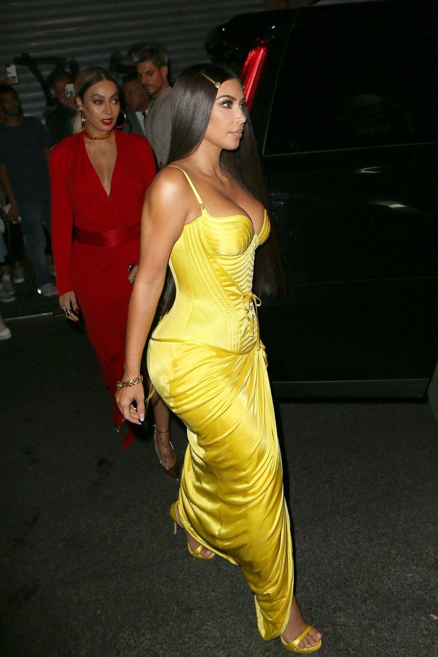 Kim-Kardashian-Sexy-TheFappeningBlog.com-15-1.jpg