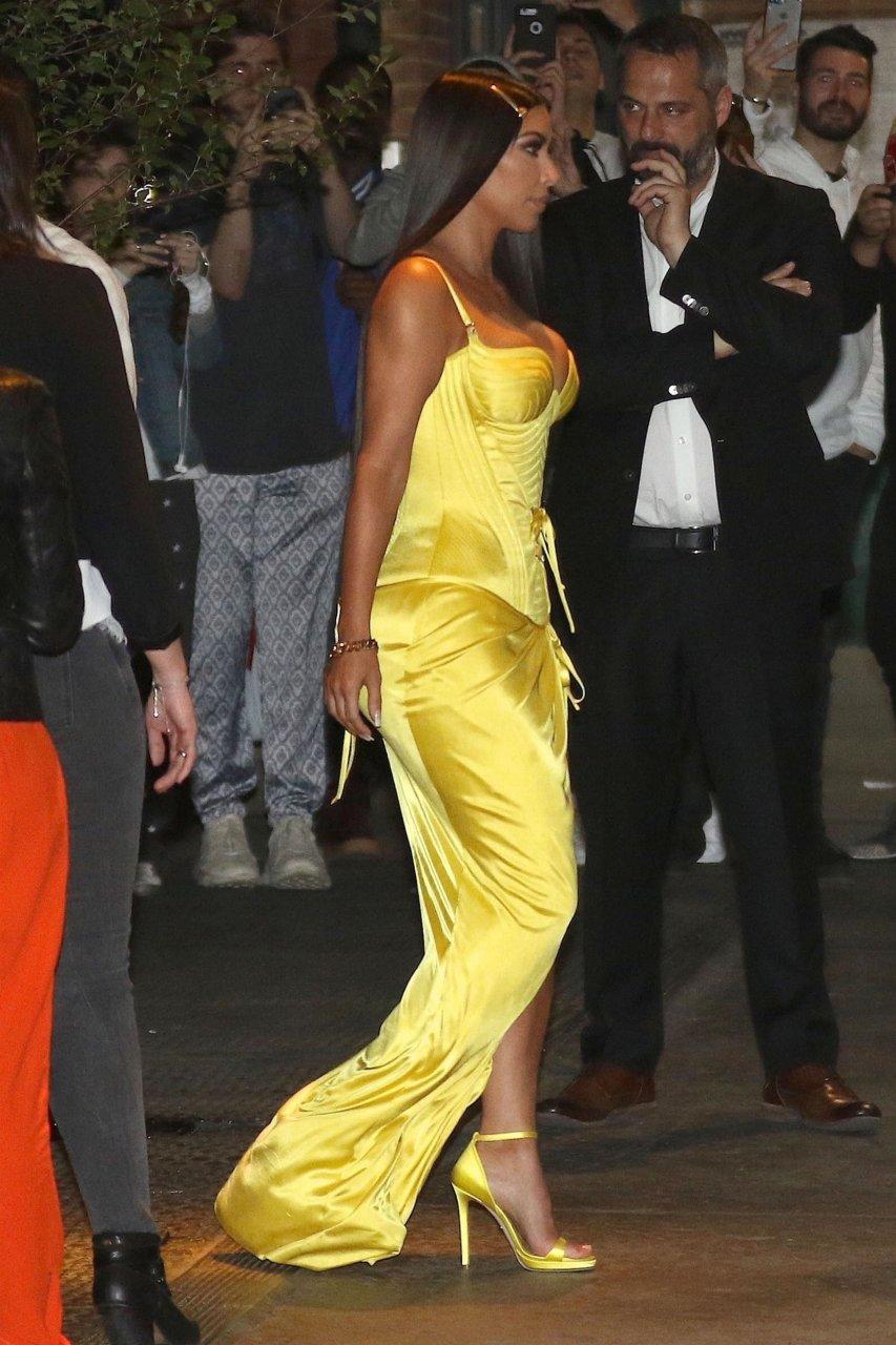 Kim-Kardashian-Sexy-TheFappeningBlog.com-20-1.jpg