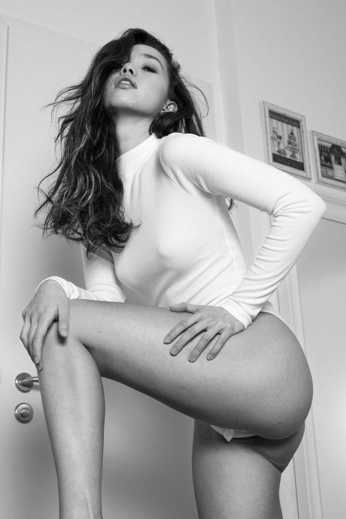 Kitrysha Sexy & Topless (8 Photos)
