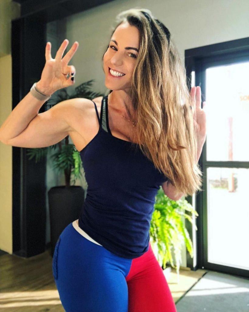 Linda Durbesson Sexy (150 Photos + GIFs & Videos)