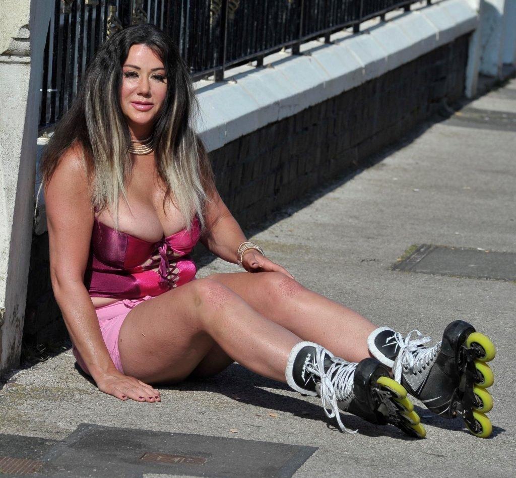 Lisa Appleton Nip Slip (28 Photos)